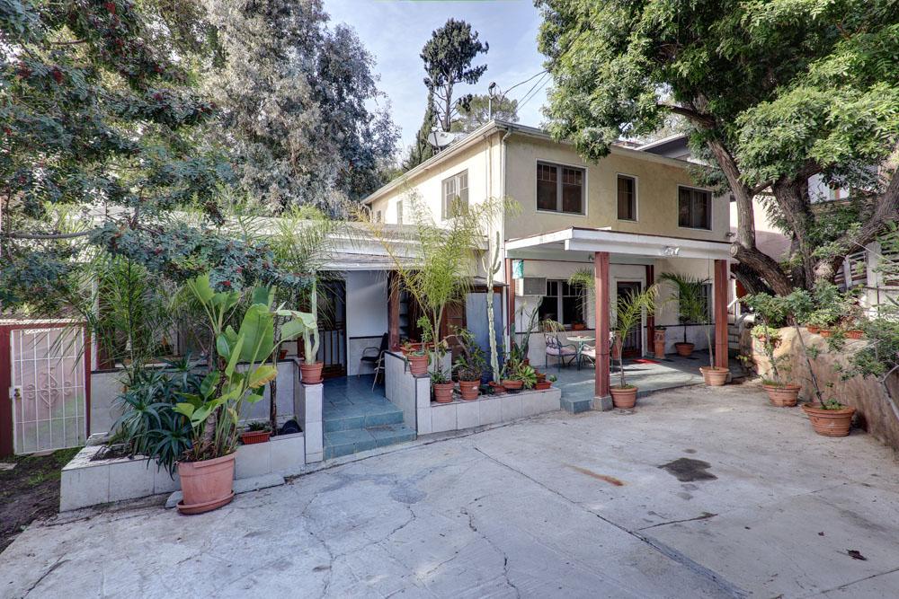 Great Deal Alert – Echo Park Triplex – $749,000