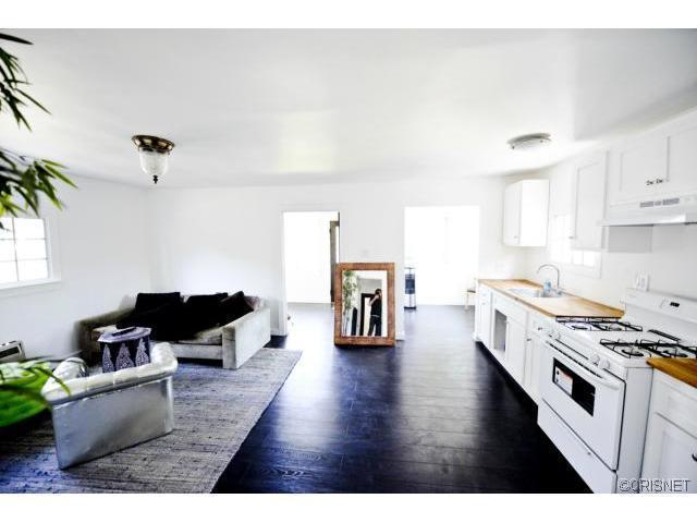Excellent Echo Park Adjacent Duplex That Pencils Out! – $480,000